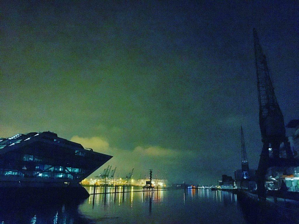 Docklands – Nachtgrün, Hamburg (2017)